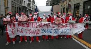 Arriva Natale e Maroni taglia di nuovo i fondi per l'istruzione