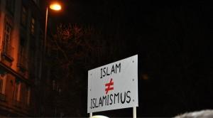 Plakat-Islam-nicht-gleich-Islamismus