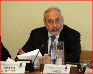 Joseph Stiglitz montre qu'une suspension du paiement de la dette peut être bénéfique pour un pays et sa population