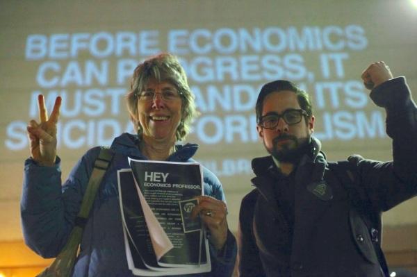 USA: Studenti dichiarano guerra al capitalismo finanziario