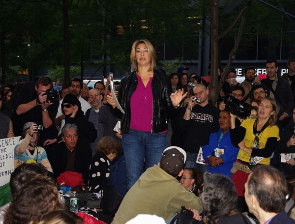 """Naomi Klein a Roma: """"Una rivoluzione ci salverà"""""""