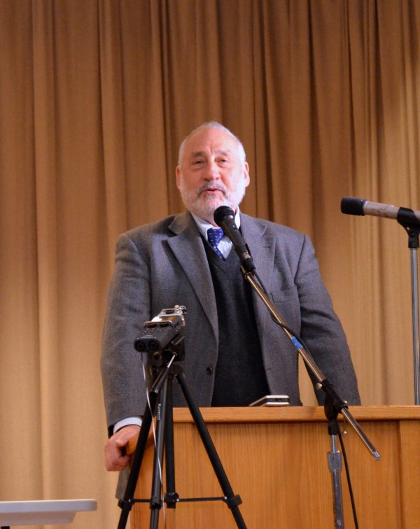 Joseph Stiglitz Stands Against Trade Agreements