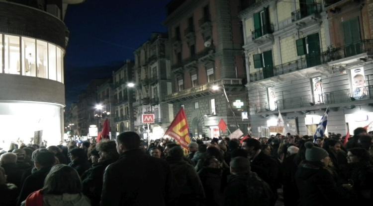 napoli solidarietà con il popolo greco syriza tsipras europa