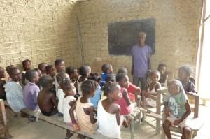 Ebola, dopo sei mesi riaprono le scuole in Liberia