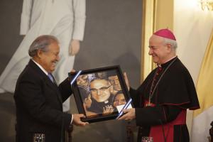 Presidente Sánchez Cerén encomia beatificación de Monseñor Romero el 23 de mayo