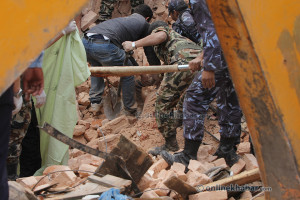 Nepal death toll  2,430 and climbing