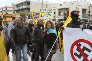 Grecia, processo ad Alba Dorata in tribunale e per strada