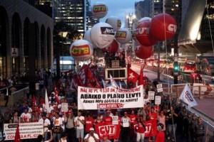 A luta não acabou. Dia 22 de abril, CUT vai às ruas contra terceirização
