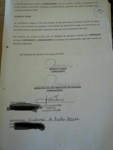 Prefeito assina contrato consigo mesmo em Minas Gerais, Brasil