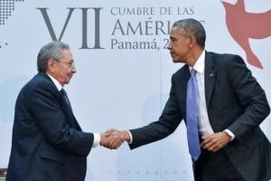 'Todo se puede discutir sobre la base del respeto', afirma Raúl Castro; Obama agradece apertura cubana para integración binacional