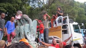 La batalla contra las estatuas de colonizadores británicos en Sudáfrica