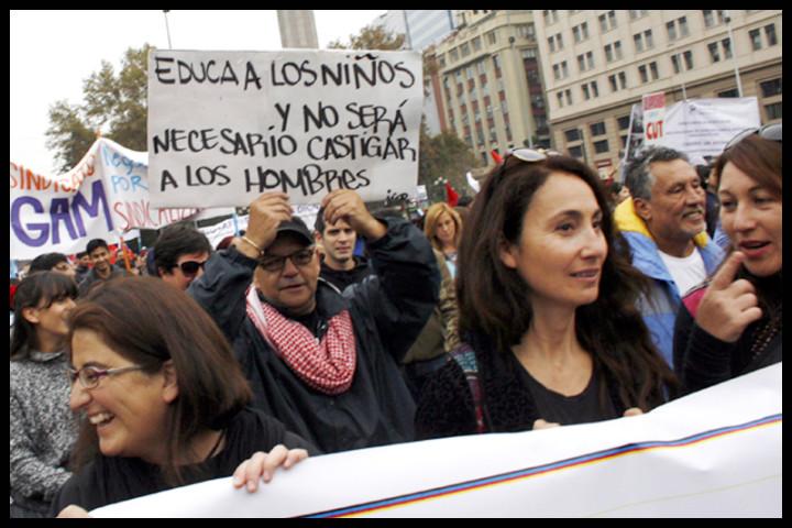 Multitudinaria marcha en el Día de los Trabajadores