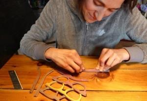 En Ardèche, on fabrique des lunettes en bois