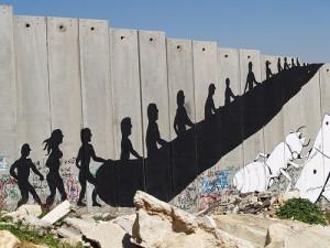 """""""È apartheid"""", Israele sospende bus separati per i palestinesi"""