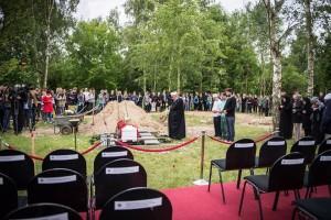 Feierliche Beisetzung von Mittelmeertoten in Berlin