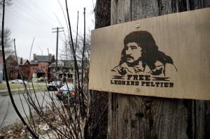 Leonard Peltier de 75 años lleva 44 años en prisión. ¿Todas las vidas indígenas importan?