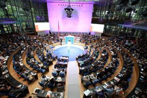 Desde os campos minados às armas nucleares: o ponto de vista humanitário respecto do desarmamento e o papel que tem os meios digitais