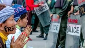 Cerco a los activistas en Camboya: «Nos siguen y nos amenazan con llevarnos a prisión»
