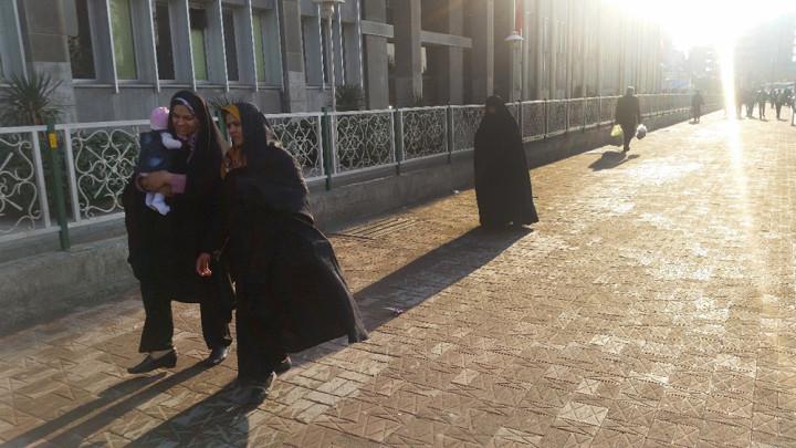 La batalla diaria de ser mujer en Irán