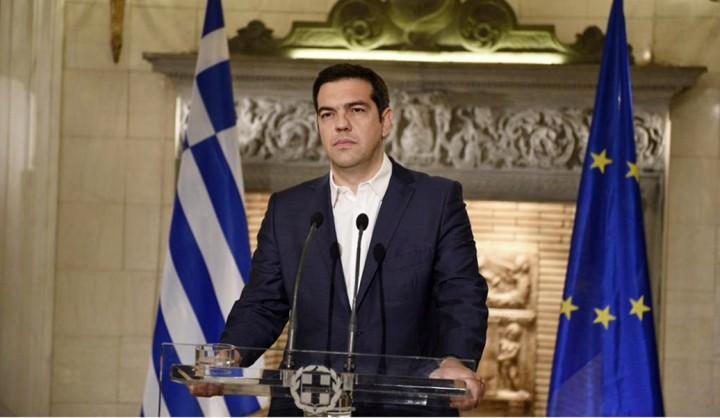 """Cosa c'insegna la rinuncia di Tsipras al """"programma parallelo"""" a finalità sociali?"""
