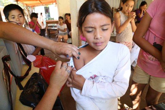 Gardasil, Hépatite B, adjuvants… Les vaccins nuisent-ils à notre santé ?