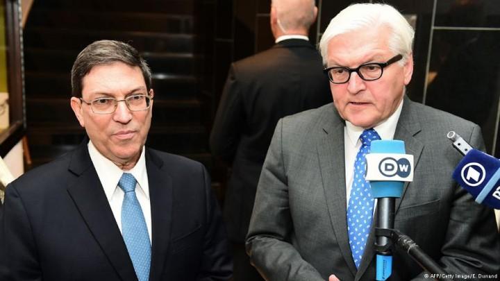 Ministros Steinmeier e Bruno Rodríguez em Bruxelas