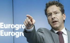 La UE da el primer paso para expulsar a Grecia del euro