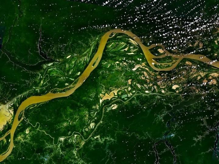 Potabilizzatore a energia solare in Amazzonia