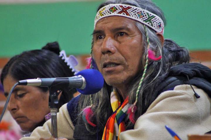 Cacique originario lidera lucha por recuperar tierras ancestrales en Argentina