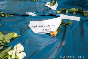 Flüchtlinge: Deutsche Öffentlichkeit spaltet sich in Helfende und in Hassende