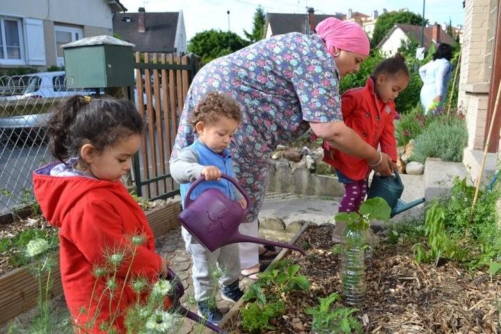 Pas un jardin d'enfants… Un jardin PAR les enfants. Et en permaculture, s'il vous plait