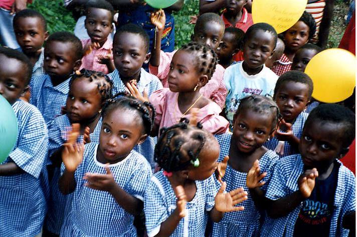 Togo: l'istruzione in mano alla gente