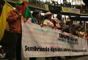 Cientos de campesinos, indígenas y afros se toman Bogotá