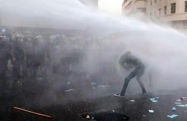 Liban : des blessés dans des affrontements avec la police provoqués par une crise de déchets (VIDEO)
