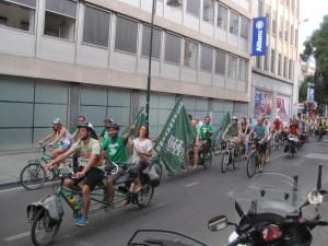 Bruxelles : arrivée du Tour d'Alternatiba, pour le défi climatique