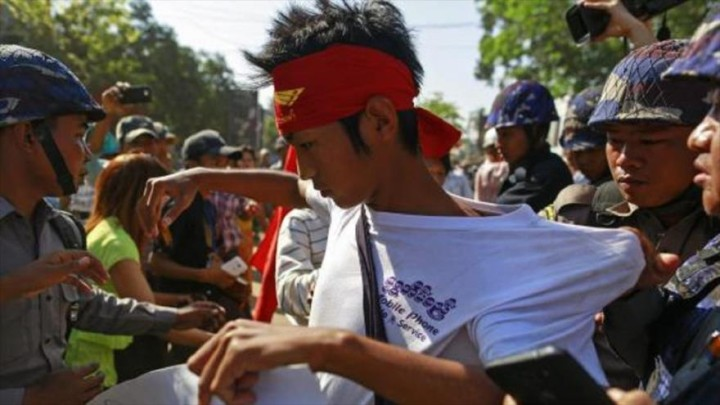 Myanmar: Crackdown and exclusion of students' education rights