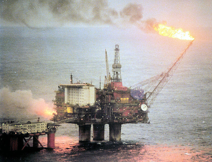 Norway Hit by Two Crisis, Yet the Citizens Are Protected by a Massive Oil Slick