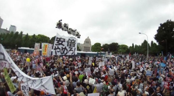 A Tokyo contro lo stravolgimento della Costituzione Pacifista