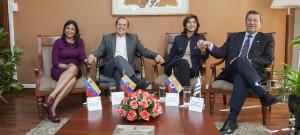 Cancilleres de Venezuela y Colombia consultarán sobre futura reunión presidencial