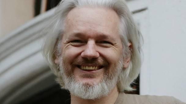 Assange: EEUU sólo es imperio de bases militares y comercio