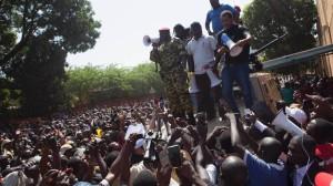 Burkina Faso, la guardia presidenziale sequestra il governo