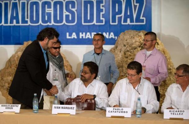 Mesa de diálogo para paz na Colômbia será retomada em 28 de setembro