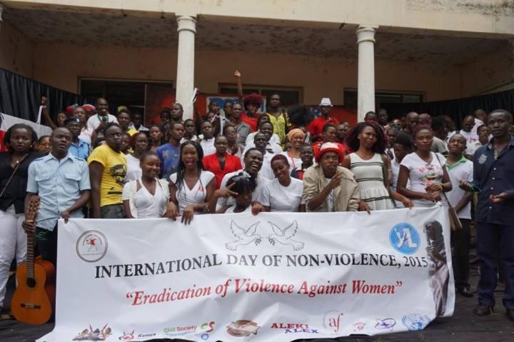 Se celebra el Día Internacional de la No-Violencia en todo el mundo