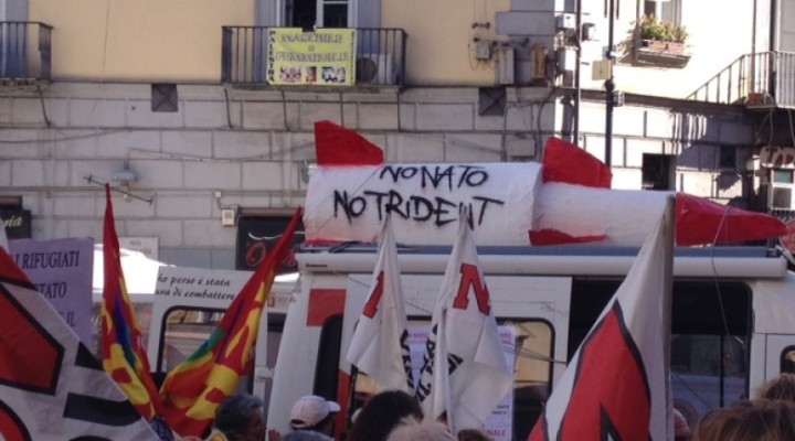 Napoli-no-NATO03-780×433-c-default