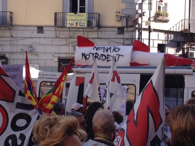Napoli-no-NATO03