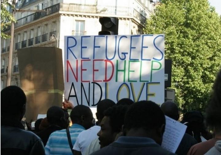 Nous devons nous interroger sur l'histoire qui sous-tend notre façon d'aborder l'accueil des réfugiés en France car nous abordons la question par le biais de notre histoire néocoloniale.