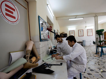 Emergency apre centro chirurgico in Libia