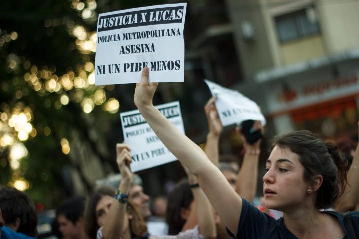 En La Boca reclaman «Justicia por Lucas», joven baleado por la Policía Metropolitana de Macri