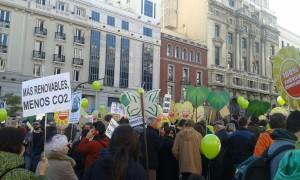Miles de personas marchan en Madrid contra el cambio climático