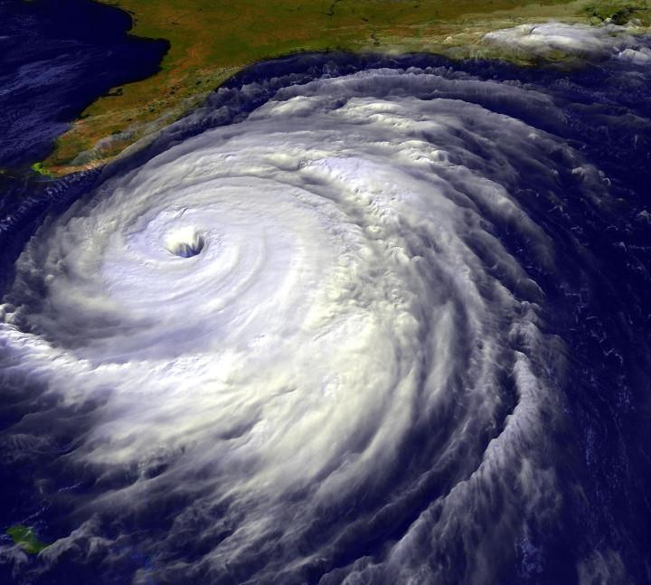 Clima: inondazioni e uragani, oltre mezzo milione di vittime in vent'anni